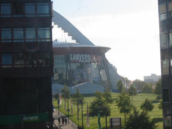 Insel Hotel : El Lanxess Arena visto desde la habitaión