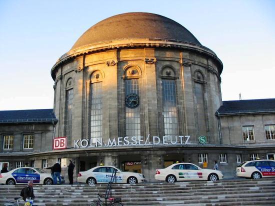 Insel Hotel: Estación de trenes Köln-Deutz