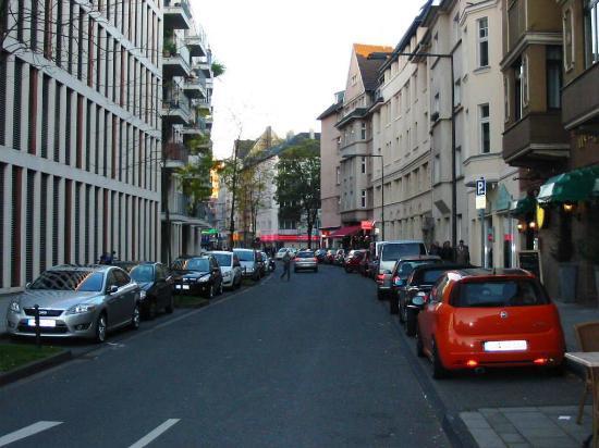 Insel Hotel: La calle Constantinstrasse