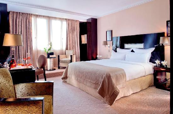 Hôtel Plaza Athénée: Deluxe Room Art Deco Style