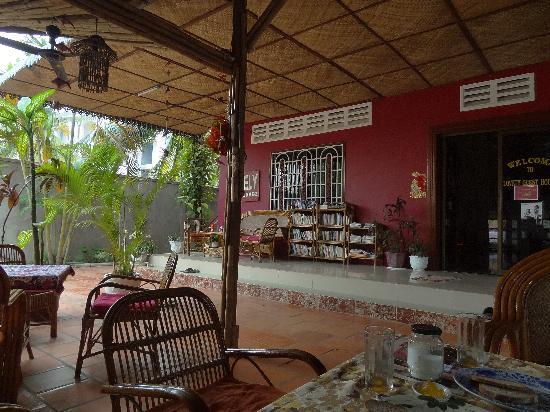 Lovely Guesthouse: La terrasse