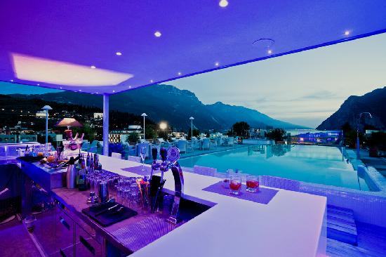Hotel Kristal Palace - Tonelli Hotels: Sky Pool & Cocktail Bar