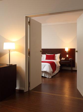 Dazzler San Martin: Suite Room