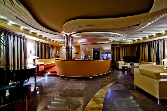 Hotel Kristal Palace - Tonelli Hotels: Lounge Bar & Piano