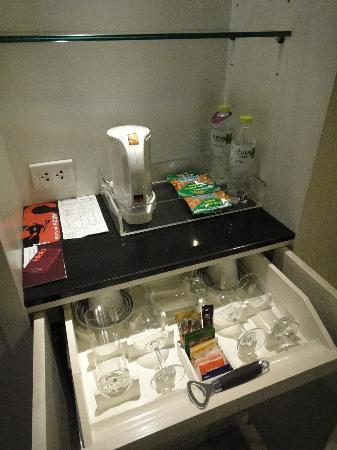Triple Two Silom: Coffee-tea-cups