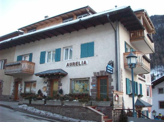 Villa Aurelia from the street
