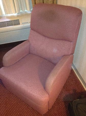 Days Inn & Suites Northwest Indianapolis: Filthy chair in our room.  Would you sit in this?