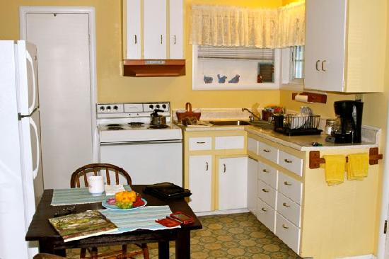 Trailside Inn : the fully equipped kitchen