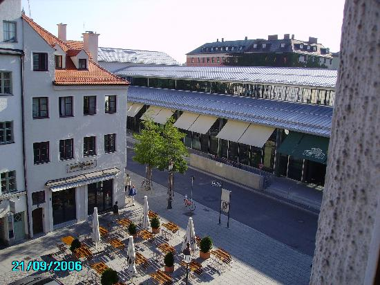 Hotel Blauer Bock: view from our room with Viktualienmarkt,