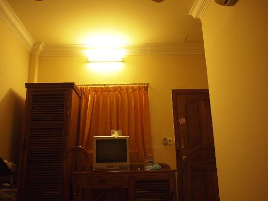 Asia Hotel: Room