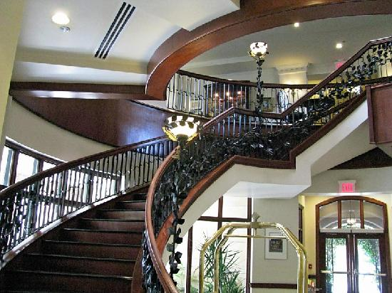 French Quarter Inn lobby