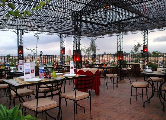 Riad Dar Nimbus: Restaurant Terrasse Ben Yousef, excellement situé