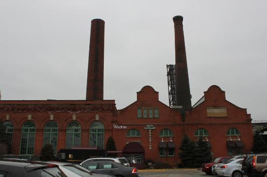 Greater Cleveland Aquarium: Powerhouse