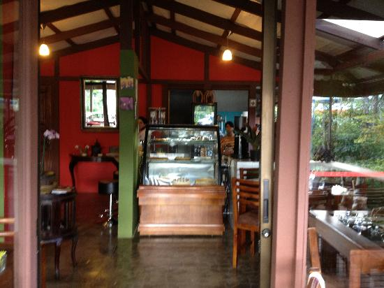Orchid Coffee Shop: Inside the cafe
