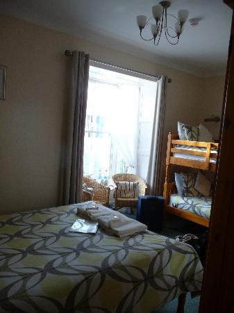 Cunard Guest House: Room
