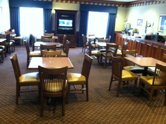 Country Inn & Suites By Carlson, Columbia: dining too