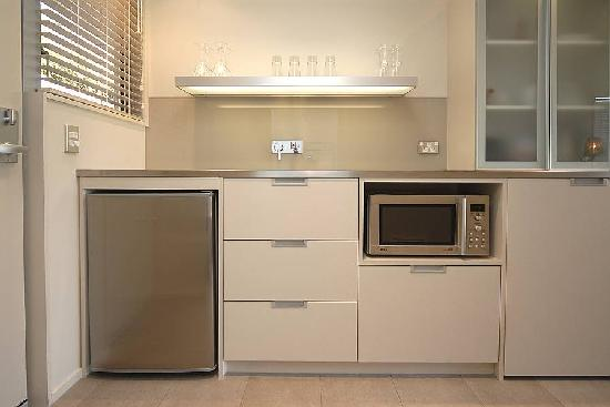 Bluestone on George: Typical Kitchenette with Laundry