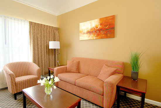 Robson Suites: Living Room - One Bedroom Suite