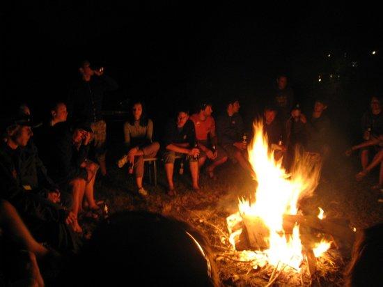 Sport Camp Tirol: Lagerfeuer Spaß am unsere Camp