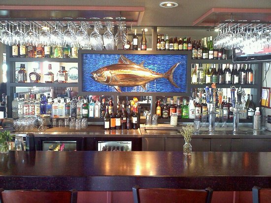 Dutchman's Seafood House: our new bar now serving drinks