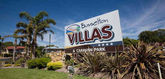 Busselton Villas & Caravan Park: Busselton Villas Entrance only 1.5 kms from town centre