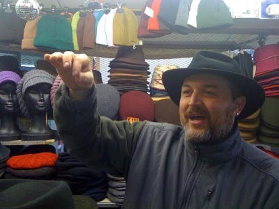 Relais Il Campanile: Hats in the market
