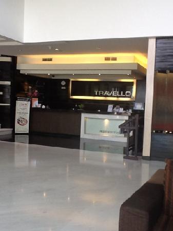 Travello Hotel Manado: lobby