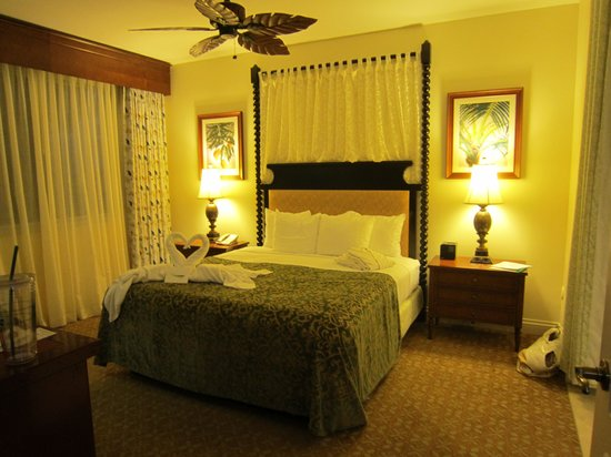 Kings' Land by Hilton Grand Vacations: master suite