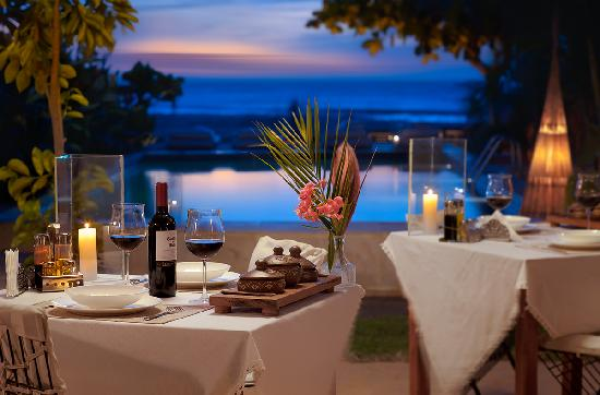 Casa na Praia: Restaurante a noite