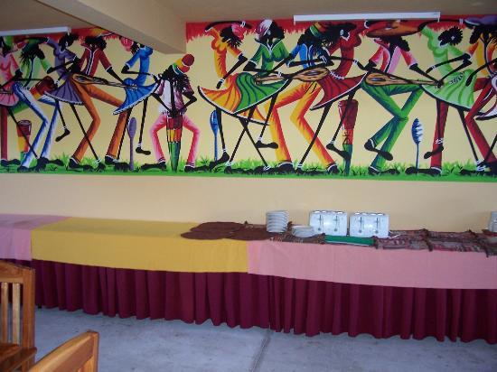 Seastar Inn: Artwork in the Dinning Area.