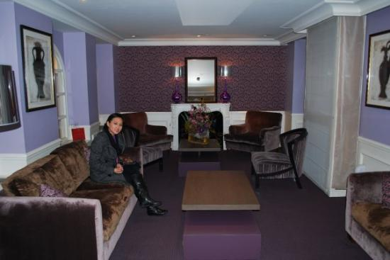 Hotel Le Royal Rive Gauche: waiting area