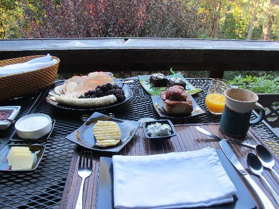 Osprey Peak Bed & Breakfast: Breakfast at Osprey Peak in Inverness