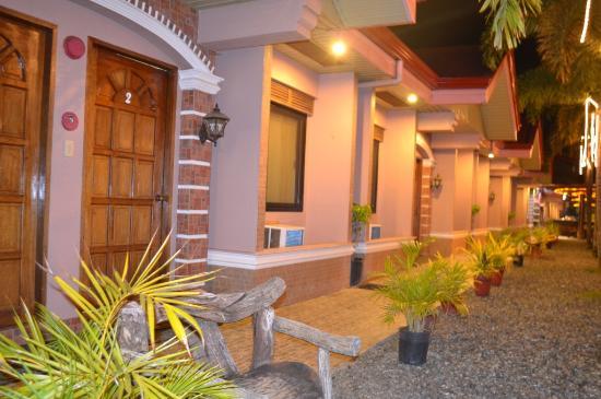 บาเลย์ อินาโท เพนชั่น: Lanai Area