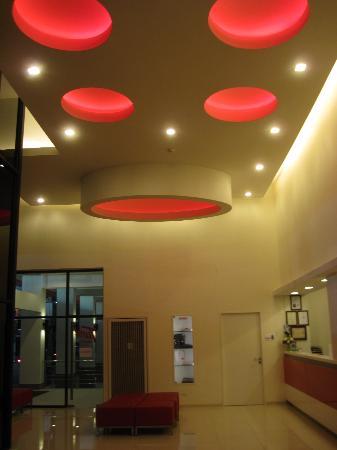Red Planet Hat Yai: Lobby