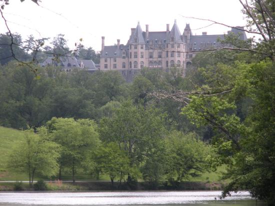 Inn on Biltmore Estate: sneak peek of Estate on our hike