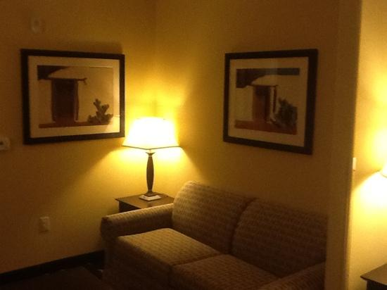 Holiday Inn Express & Suites Las Cruces North: Living room