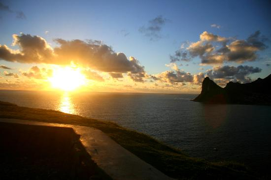 Hout Bay Backpackers: Could have a better sunset? Right in Hout Bay!
