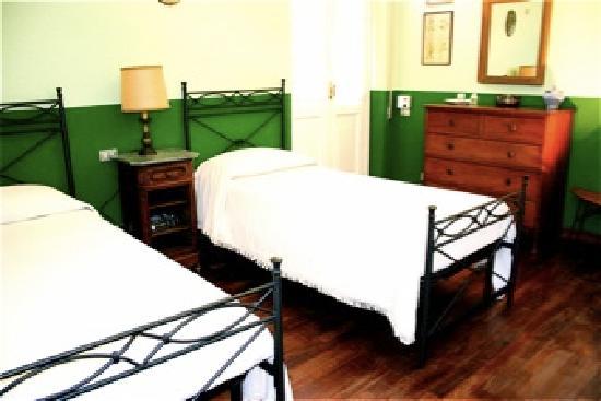 B&B Il Melograno : camera doppia verde