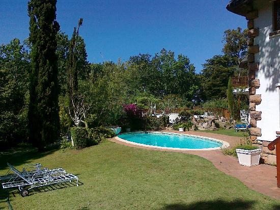 Constantia Woods: Blick auf Pool