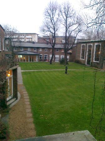 The Royal Foundation of St Katharine: Gardenviee