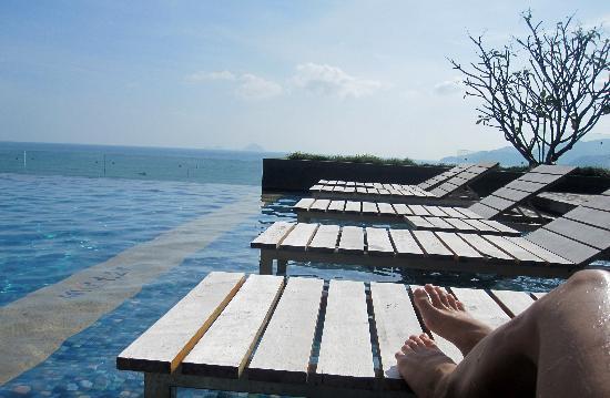 Sheraton Nha Trang Hotel and Spa: бассейн на 6 этаже