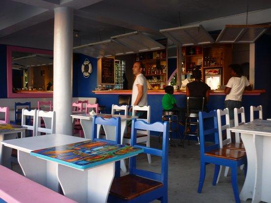 Romance Cafe: les habitués du Romance Café