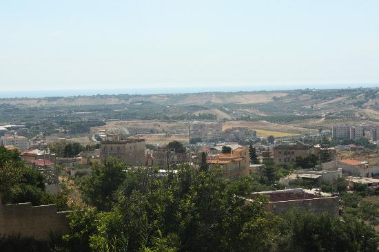 Le Case del Vivaio : View of rugged coutryside