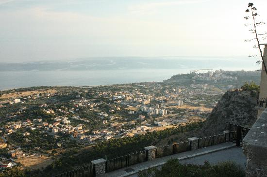 Le Case del Vivaio : Sciacca seen from Monte Kronio