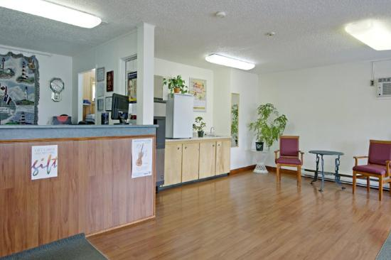 Canada's Best Value Inn - Port Hawkesbury/Port Hastings: Lobby