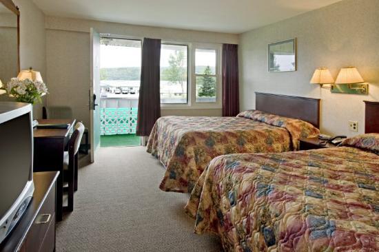 Canada's Best Value Inn - Port Hawkesbury/Port Hastings: Double Queen Room