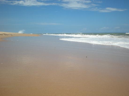 Arembepe, BA: playas al norte