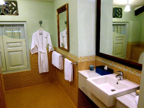 23 Love Lane: Indian Shophouse Upstairs Toilet/Bathroom