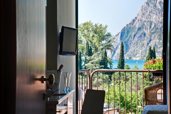 Hotel Garda Tonellihotels Riva Del Garda Italy