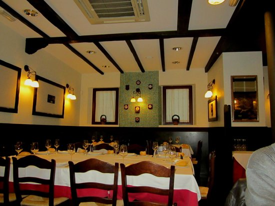 Atxuri: la salle du restaurant